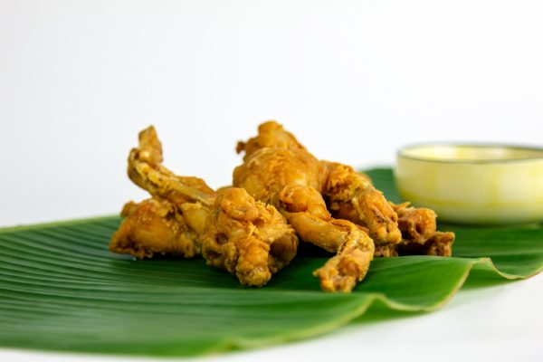 Deep-fried-frog-legs-2